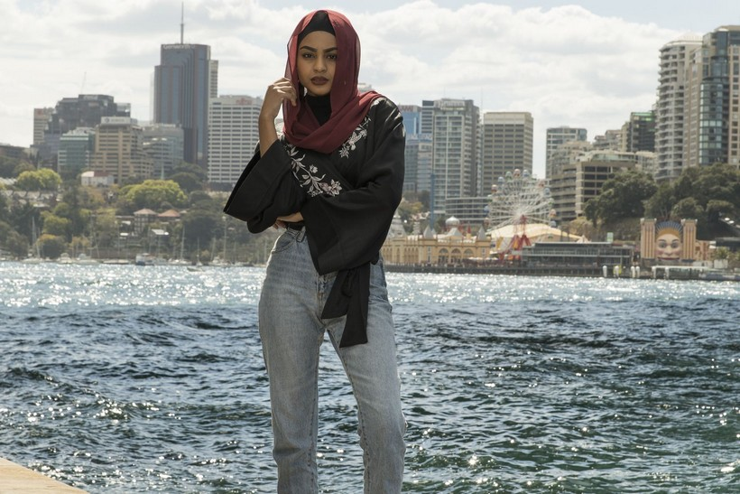 aae288cdb916 This exhibition explores the experiences and achievements of Australian  Muslim women and how they express their faith through fashion.